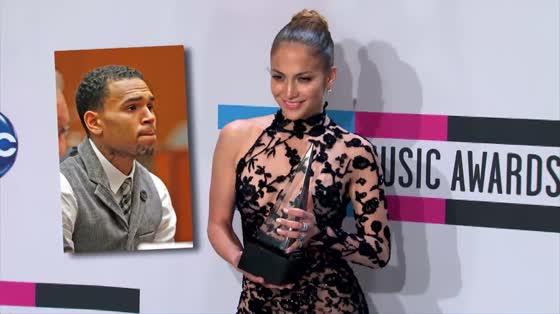 Jennifer Lopez prend la défense de Chris Brown