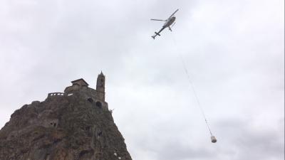 Le Puy-en-Velay: un chantier impressionnant pour le rocher d'Aiguilhe