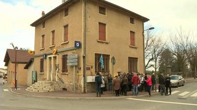 Dans un village de la Drôme, des habitants luttent contre la fermeture de leur dernier bureau de poste