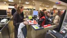 Après les attentats, les Français de retour dans les magasins
