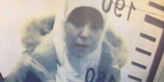 Hayat Boumeddiene, à l'aéroport d'Istambul le 2 janvier.