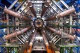 Vue centrale de la gigantesque caverne d'Atlas, l'un des deux détecteurs dits généralistes du Large Hadron Collider.