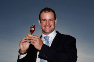 Andrew Strauss and the England players arrived back in the UK on Tuesday, to spend a few days at home after the Ashes tour before leaving for the World Cup