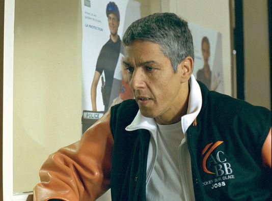 Samy Naceri tient le rôle secondaire d'un flic.