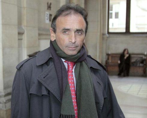 Le journaliste et polémiste Eric Zermmour le 11 janvier 2011 au palais de justice de Paris - Jacques Demarthon/AFP