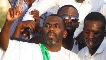 Biram Ould Dah Ould Abeid sortant de prison, le 3 septembre 2012 à Nouakchott.