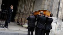 Le cerceuil de Danièle Delorme transporté en l'Eglise Saint-Germain-des-Pres a Paris, France le 23 octobre 2015