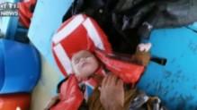 Un bébé de 18 mois a été sauvé de la noyade par un pêcheur turc au large de Kusadasi. Il dit avoir aperçu des réfugiés non loin de là.