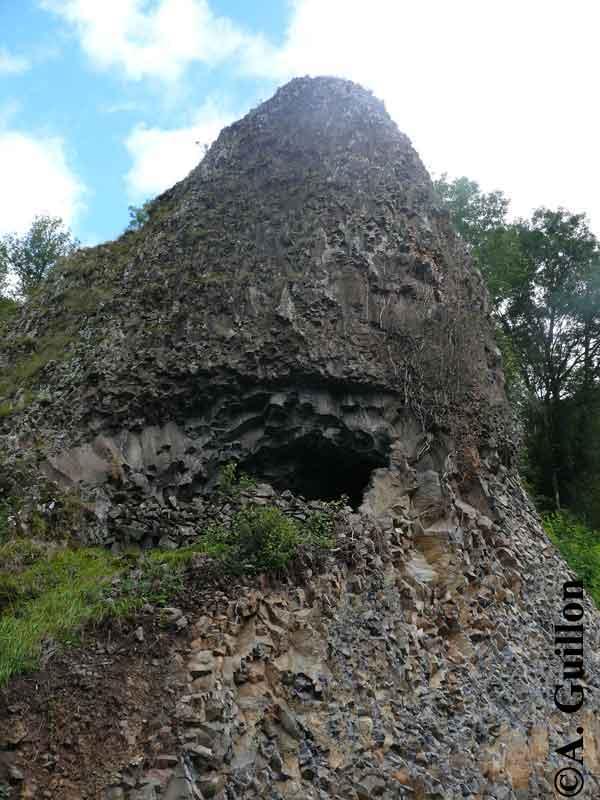 Tunnel de lave forme en pain de sucre