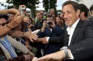 Bain de foule pour le candidat Sarkozy pendant ses vacances à Arcachon