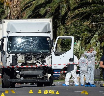 RECROP - Police secure the area in Nice, France, July 15, 2016 where a truck drove into a crowd during Bastille Day celebrations. At least 80 people died and many were wounded Photo: Andreas Gebert/dpa