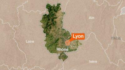 Lyon : des militants d'extrême-droite s'en prennent à une permanence d'En Marche!