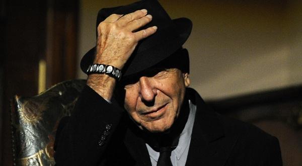 Leonard Cohen, le 19 octobre 2011, à Gijon (Espagne). REUTERS/Eloy Alonso.