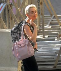 Miley Cyrus est en fait une fille comme les autres