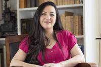 La journaliste et autrice française Claire Koç doit vivre sous protection policière car des partisans du président turcRecep Tayyip Erdogan la menacent sur les réseaux sociaux.