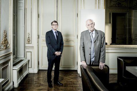 Vincent Peillon (ministre de l'Éducation nationale) et Michel Serres (philosophe, historien des sciences et homme de lettres français).