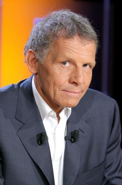 Sobre et ému, PPDA a dit au revoir au JT de TF1. - VISUAL
