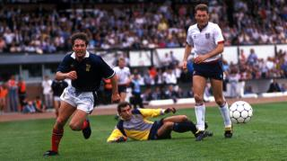 McCoist tries to get the better of Peter Shilton at Hampden in 1989