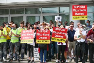 Thousands from Donegal and Mayo protested in Dublin in support of a 100 per cent redress scheme for buildings affected by defective blocks that contain the mineral mica