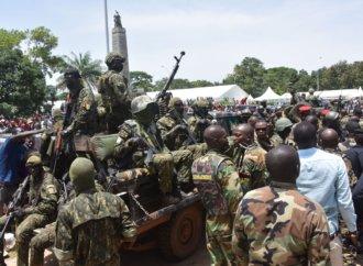Guinée: un chef de l'opposition s'oppose à des sanctions africaines après un putsch «bienvenu»