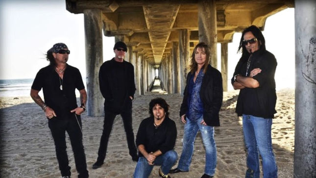 """GREAT WHITE Guitarist Michael Lardie - """"We're Hoping To Get Into The Studio In February Or March To At Least Flesh Out Some Ideas"""""""