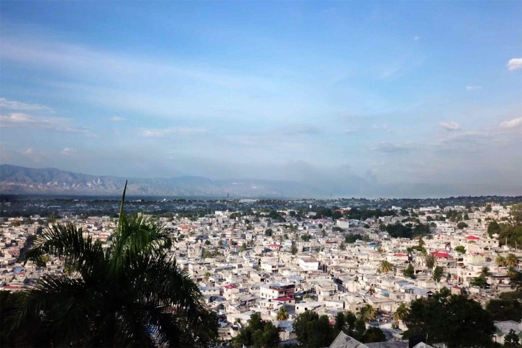 Vue de Port-au-Prince depuis les collines