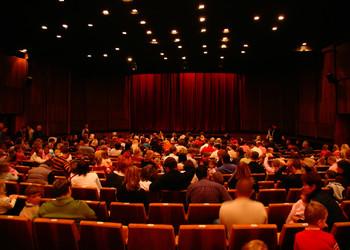 Cinéma, le secteur de l'exploitation en salle se porte bien