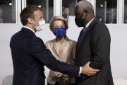 Emmanuel Macron, Ursula von der Leyen et Moussa Faki, lors du sommet sur le futur des économies africaines à Paris, le 18 mai 2021.