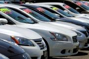 Des voitures en vente à Carlsbad en Californie, le 2 mai 2016.