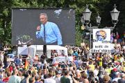 A Berlin, Robert F. Kennedy Jr est intervenu lors d'une manifestation contre les restrictions dues à la pandémie de Covid-19, le 29 août 2020.