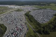 Des camionnettes Ford stockées, dans l'attente de semi-conducteurs, à Sparta, dans le Kentucky (Etats-Unis), le 16 juillet 2021.