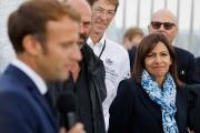 Emmanuel Macron et la maire socialiste de Paris, Anne Hidalgo, candidate à l'élection présidentielle, à Paris, le 16 septembre 2021.