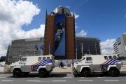 Devant le bâtiment de la Commission européenne, à Bruxelles, le 24 mai 2021.