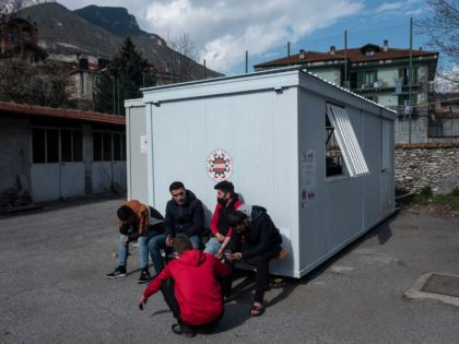 Italian Migrant Shelter Founded by Priest Helps Migrants Cross into France