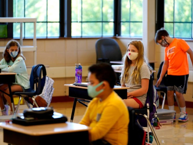 Arizona School Board Bolts as Parents Protest Decision to Keep Mask Mandate