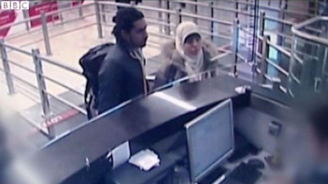 Hayat Boumedienne, la compagne d'Amedy Coulibaly, filmée à Istanbul par une caméra de vidéosurveillance. Elle est accompagnée d'un homme qui pourrait être Mehdi Sabry Belhoucine.