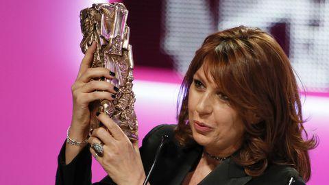 L'actrice Valérie Benguigui, récompensée pour le meilleur seconde rôle dans Le Prénom, lors de la 38e cérémonie des Césars, le 22 février dernier à Paris.
