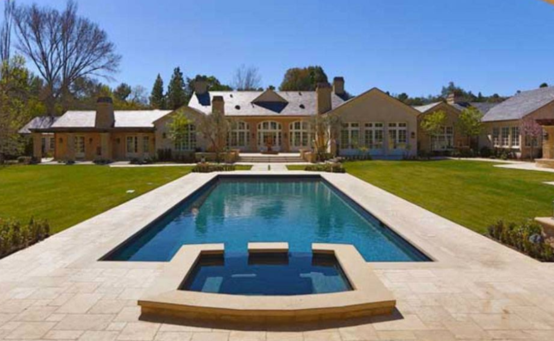 Kanye West's home and swimming pool