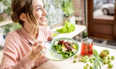 NUTRITION TIPS TO STAY HEALTHY ON HOLIDAY