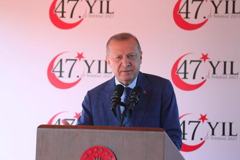 Erdogan, en visite à Chypre, maintient ses positions fermes mais déçoit ses partisans