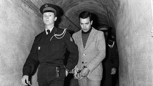 Hamida Djandoubiarrive à son procés au tribual d'Aix-en-Provence (Bouches-du-Rhône), le 24 février 1977. (GERARD FOUET / AFP FILES)