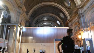 Le procès des attentats du 13-Novembre s'est ouvert mercredi 8 septembre au palais de Justice de Paris. (ALAIN JOCARD / AFP)