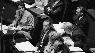 Le garde des Sceaux Robert Badinter présente son projet de loi pour l'abolition de la peine de mort à l'Assemblée nationale, le 17 septembre 1981. (MICHEL PHILIPPOT / SYGMA / GETTY IMAGES)