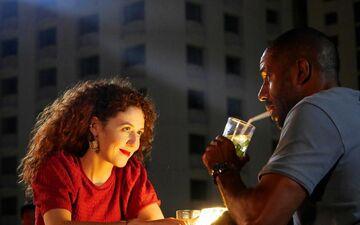 Blandine Bellavoir de «Plus Belle la vie» joue dans «Coup de foudre à Bangkok», une comédie romantique aussi peu crédible que divertissante.