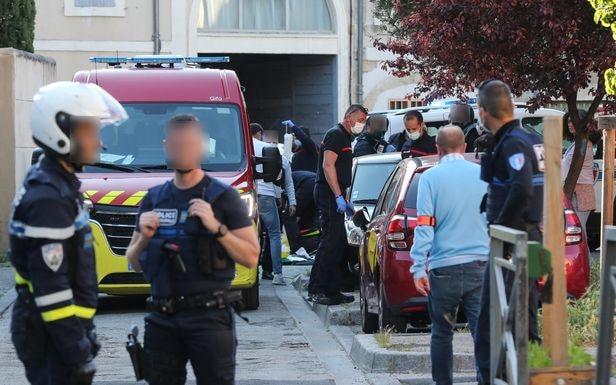 Avignon, le 5 mai. Un ou plusieurs hommes sont arrivés puis ont fait feu sur les agents et ont mortellement touché un policier lors d'une opération antidrogue. PHOTOPQR/LE DAUPHINE/Angélique SUREL
