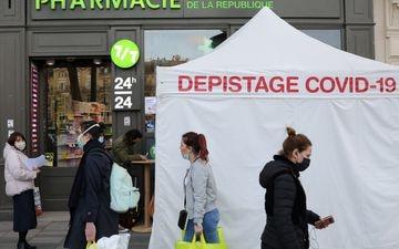 Si le taux d'incidence est passé sous la barre des 400 cas pour 100 000 habitants en France, les épidémiologistes invitent à regarder d'autres indicateurs de plus près. LP/Arnaud Journois