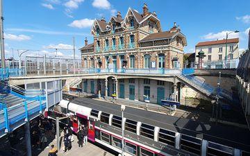 Epinay-sur-Seine, le 13 avril 2021. La coopérative Pointcarré a remporté un appel à projets de Gares et connexions et Ile-de-France Mobilités pour installer des ateliers partagés dans les anciens logements de fonction de la gare. LP/C.G.