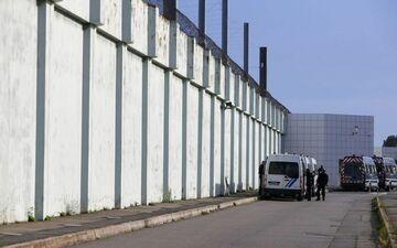 Depuis juillet, des biens matériels appartenant à des surveillants pénitentiaires travaillant dans la prison de Borgo, en Corse, ont été incendiés. (Illustration).