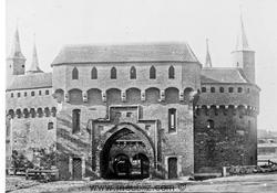 barbacane de Cracovie en Pologne, en 1921.