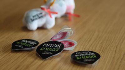 Annecy et Chambéry : des préservatifs au reblochon à l'occasion du Sidaction